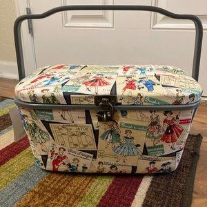 Dritz vintage design sewing basket
